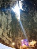Lampa i grottan fotografering för bildbyråer