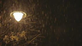 Lampa i snöstormen lager videofilmer