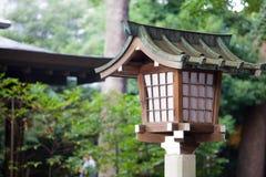 Lampa i templet, Japan Arkivbilder