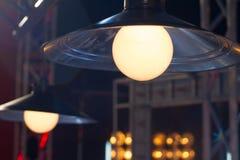 Lampa med smutsig lampskärm Royaltyfri Bild