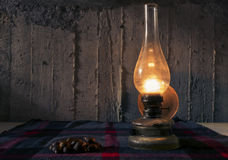 Lampa och kastanjer Royaltyfri Fotografi