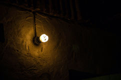 Lampa och vägg Arkivfoton