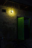 Lampa och vägg Royaltyfria Foton