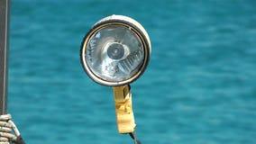 Lampa på fartyget och havet lager videofilmer