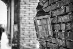 Lampa som hänger på väggen arkivfoto