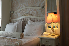 Lampa w sypialni Fotografia Stock