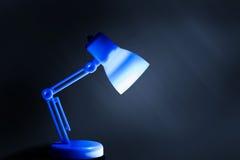 Lampada da tavolo con illuminazione Fotografia Stock