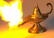 Lampada del Aladdin - ingiallisca la versione fotografia stock