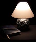Lampada di lato del letto Immagine Stock