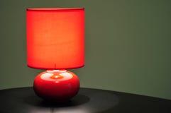 Lampada di tabella rossa Immagini Stock