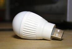 Lampada di USB sulla tavola Immagine Stock Libera da Diritti