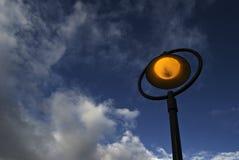 Lampada di via alla notte Fotografia Stock