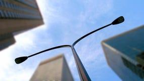 Lampada di via in città Fotografie Stock Libere da Diritti