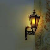 Lampada di via d'annata alla notte Fotografia Stock Libera da Diritti