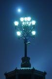 Lampada di via leggera durante la tempesta della neve Fotografie Stock Libere da Diritti