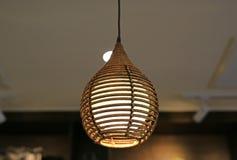 Plafoniera Vimini : Immagini di riserva lampada vimini sul soffitto la sovranità