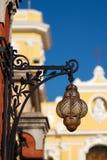 Lampada e cattedrale antiche, Sorrento, Italia immagine stock libera da diritti