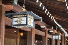 Lampada giapponese a Meiji Jingu Shrine, Harajuku, Tokyo, Giappone Fotografia Stock