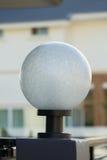 Lampada leggera sul portone anteriore della decorazione residenziale Fotografia Stock Libera da Diritti