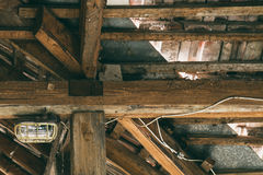 Lampada nella soffitta Immagini Stock Libere da Diritti