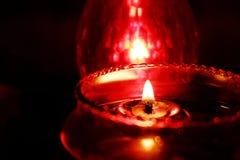 lampada a olio cinese per la preghiera del buddista dell'altare Immagini Stock Libere da Diritti