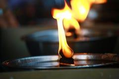 Lampada a olio nel tempio di buddismo in Tailandia Fotografia Stock
