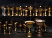 Lampada a olio rituale buddista Fotografie Stock