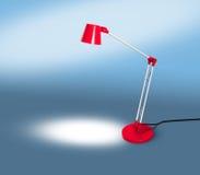 Lampada rossa con lo spazio della copia sul blu Immagine Stock Libera da Diritti