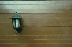 Lampada sul legno del modello Immagine Stock