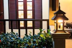 Lampada sul portico Fotografia Stock