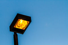 Lampada sull'alta posta Immagine Stock