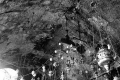 Lampade in chiesa del sepolcro di St Mary della tomba anche del vergine in Kidron Valley al piede del monte degli Ulivi, Gerusale immagini stock libere da diritti