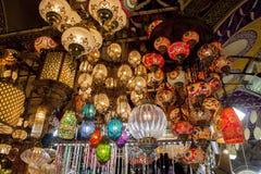 Lampade turche nel mercato a Costantinopoli fotografia stock libera da diritti