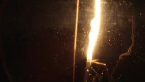 Lampadina bassa della luce a incandescenza di watt video d archivio