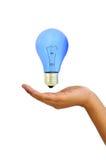 Lampadina blu a disposizione Immagine Stock