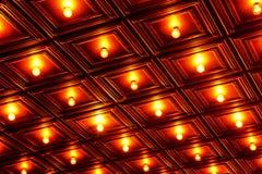 Lampadina con il soffitto di legno Fotografie Stock