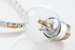 Lampadina di E27 LED e strisce del LED con le simili tecnologie Fotografia Stock