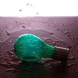 lampadina nell'acqua fotografia stock libera da diritti