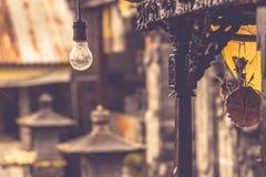 Lampadina in tempio di balinese Immagine Stock Libera da Diritti