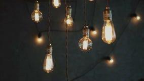 Lampadine d'ardore del tungsteno di vecchio stile, decorazione di lusso dell'annata di illuminazione archivi video