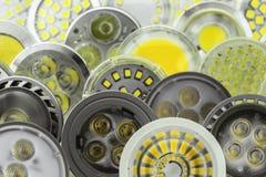 Lampadine di quantità GU10 LED con differenti dimensioni dei chip Immagini Stock Libere da Diritti