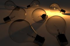 Lampadine realistiche di concetto di idea con luce nella rappresentazione 3D Immagine Stock