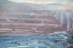 Lampang,泰国, - 11月2,2015 :在褐煤o的挖掘机 图库摄影