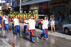 LAMPANG, ΤΑΪΛΑΝΔΗ - 13 ΑΠΡΙΛΊΟΥ 2011: Πομπή Luang Salung και φεστιβάλ Songkran στην επαρχία Lampang βόρεια της Ταϊλάνδης Στοκ φωτογραφία με δικαίωμα ελεύθερης χρήσης