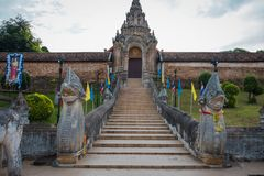 lampang luang phra wat Ο αρχαίος ναός στην Ταϊλάνδη στοκ εικόνες