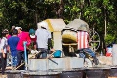 LAMPANG, TAILANDIA - 5 DE NOVIEMBRE: adolescentes tailandeses no identificados adentro Foto de archivo libre de regalías