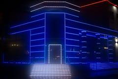 Lampe au néon décorant un bâtiment de mordon image libre de droits