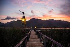 Lampe auf der Brücke Lizenzfreie Stockfotos