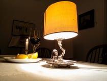 Lampe auf der Tabelle Stockfoto
