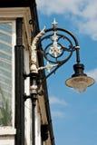 Lampe auf einem alten Pavillon Lizenzfreie Stockfotos